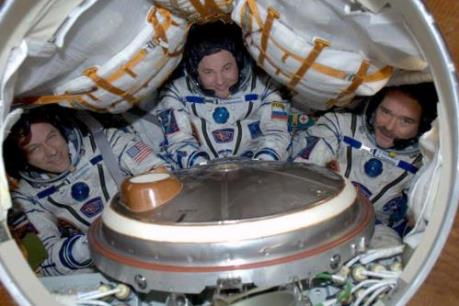 Ba phi hành gia trở về Trái Đất an toàn sau 4 tháng trên trạm ISS