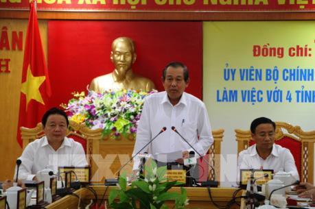 Phó Thủ tướng Trương Hòa Bình làm việc với 4 tỉnh miền Trung