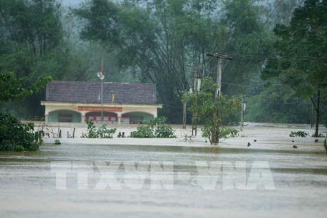 Mưa lớn diện rộng gây lũ lớn trên các sông từ Hà Tĩnh đến Phú Yên và Gia Lai, Kon Tum