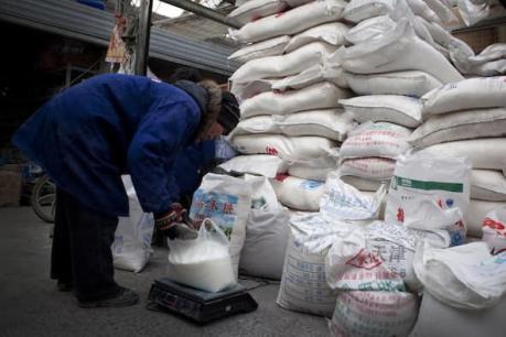 Trung Quốc: Giá đường chào thầu cao hơn 15% so với mức giá tối thiểu