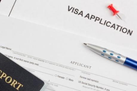 Anh lâm vào thế khó trong chính sách thị thực với Ấn Độ