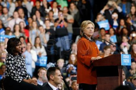 Bầu cử Mỹ 2016: Cán cân vẫn tạm nghiêng về bà Hillary Clinton