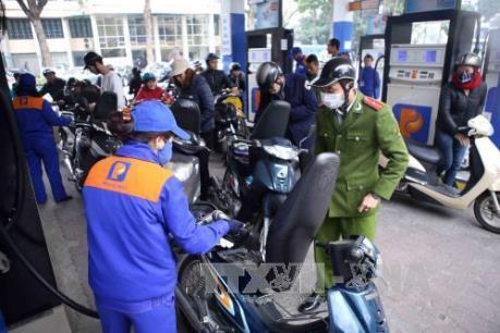 Giá xăng, dầu đồng loạt tăng từ 15h hôm nay