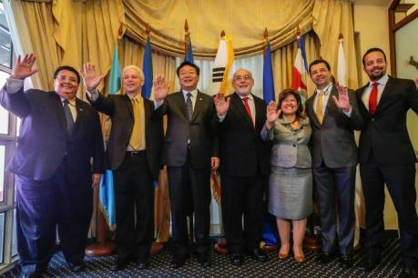 Các nước Trung Mỹ và Hàn Quốc đạt được FTA chung