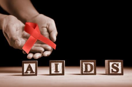Hỗ trợ bệnh nhân điều trị thuốc kháng vi-rút HIV có thẻ BHYT