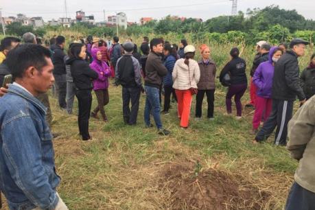 Hà Nội tạm dừng cải tạo nghĩa trang Bãi Xém