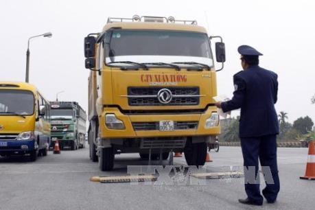 Thủ tướng yêu cầu Bộ GTVT nhanh chóng giải quyết tình trạng xe quá tải, quá khổ