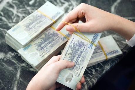 Cảnh sát giao thông Hải Phòng trả lại gần 80 triệu đồng cho người đánh rơi