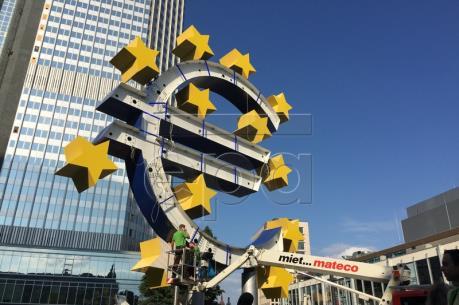Fed, ECB phát đi tín hiệu sẽ thay đổi một số chính sách tiền tệ