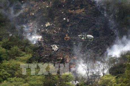 Pakistan điều tra nguyên nhân vụ rơi máy bay