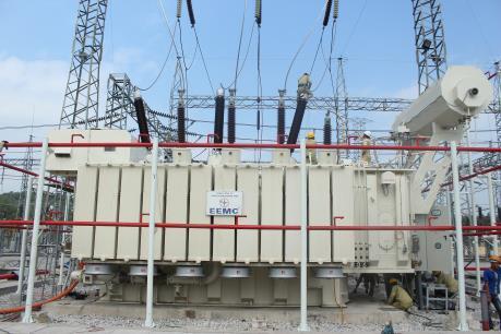 Đóng điện công trình Nâng công suất Trạm biến áp 220kV Hoành Bồ