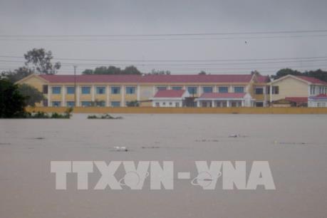 Ninh Thuận khẩn trương di dời người dân vùng bị ngập về nơi an toàn