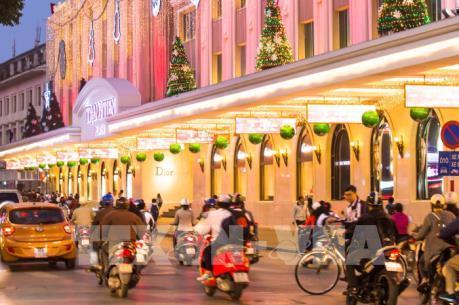 Năm 2016, Hà Nội đạt doanh thu trên 62.000 tỷ đồng từ khách du lịch