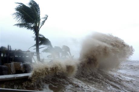 Bão Nock-Ten hoành hành ở Philippines, ít nhất 3 người thiệt mạng