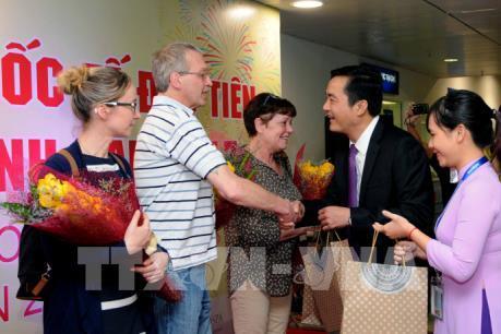 Thành phố Hồ Chí Minh đón đoàn khách quốc tế đầu tiên năm 2017