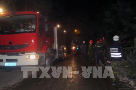 Quảng Ninh: Xe bồn chở nước đâm vào nhà dân