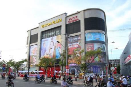 Người dân Tp. Hồ Chí Minh đổ về các trung tâm thương mại mua sắm