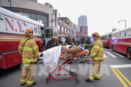 Vụ lật tàu hỏa tại trung tâm New York: Số nạn nhân tiếp tục tăng