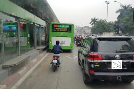Phạt nguội đến 1,2 triệu đồng phương tiện tạt đầu, cướp làn xe buýt nhanh