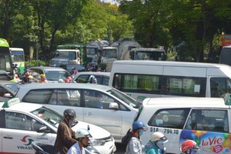 Tắc đường nghiêm trọng tại khu vực sân bay Tân Sơn Nhất