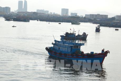 """""""Mạnh tay"""" ngăn chặn tình trạng tàu cá vi phạm vùng biển nước ngoài"""