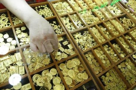 """Giá vàng được đồng USD yếu """"hậu thuẫn"""""""