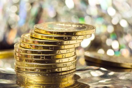 Giá vàng châu Á rời khỏi mức cao nhất trong bảy tuần