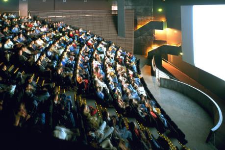 """Rạp chiếu phim """"siêu kết nối"""" của tương lai"""