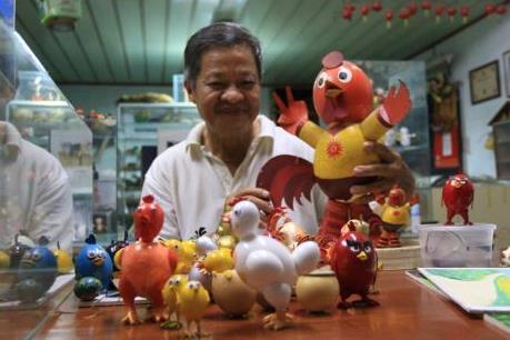 Gặp kỷ lục gia làm 70 con gà bằng vỏ trứng chào đón xuân Đinh Dậu 2017