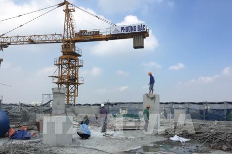 Xử lý sai phạm tại công trình 8B Lê Trực: Hoàn thành hạ cẩu tháp để đảm bảo an toàn