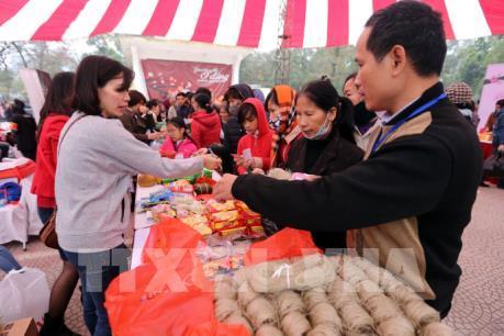 Hội chợ Tết 0 đồng dành cho người nghèo