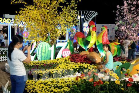 Cẩn thận với nạn móc túi diễn ra tại đường hoa Nguyễn Huệ
