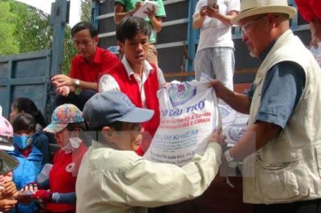 Hỗ trợ gần 1.700 tấn gạo cho nhân dân Quảng Bình và Sóc Trăng