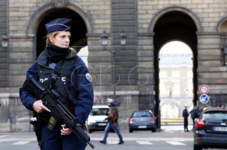 Thông tin mới nhất vụ nổ súng ở Viện bảo tàng Louvre
