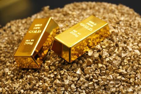 """Giá vàng thế giới đạt """"đỉnh"""" trong ba tháng"""