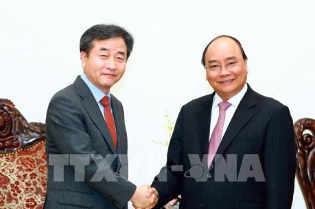 Thủ tướng Nguyễn Xuân Phúc tiếp Chủ tịch Hãng thông tấn Hàn Quốc Yonhap