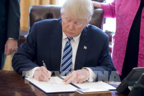 Mỹ xem xét lại cách tính thâm hụt thương mại