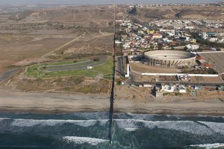 Cảnh báo bức tường biên giới Mexico-Mỹ đe dọa hệ sinh thái tự nhiên
