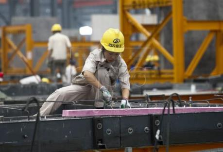 Trung Quốc nới lỏng quy định cấp mới chứng minh thư cho người lao động di cư trong nước
