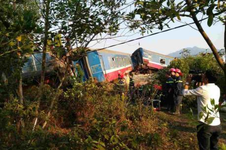 Phó Thủ tướng chỉ đạo khắc phục hậu quả vụ tai nạn đường sắt tại Thừa Thiên Huế