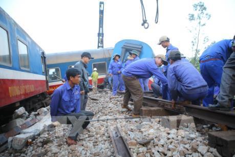 Đã thông tuyến đường sắt Bắc - Nam sau tai nạn nghiêm trọng tại Thừa Thiên - Huế