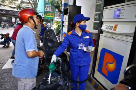 Tăng thuế Bảo vệ môi trường với xăng dầu tác động thế nào tới doanh nghiệp?