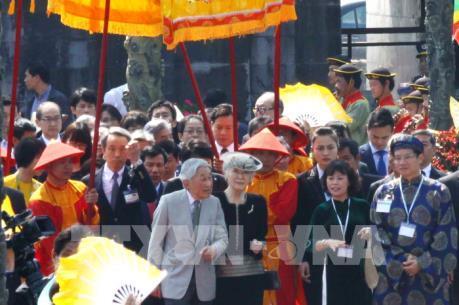Nhà vua và Hoàng hậu Nhật Bản thăm Cố đô Huế