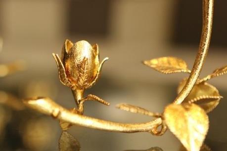 Đại gia Quảng Ninh chi gần 1 tỷ đồng mua hồng vàng nguyên khối làm quà tặng vợ dịp 8/3