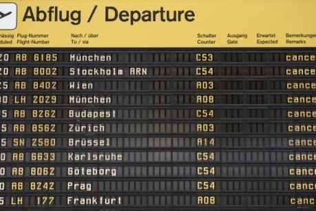 Đức: Hàng trăm chuyến bay bị hoãn tại Berlin do nhân viên mặt đất đình công