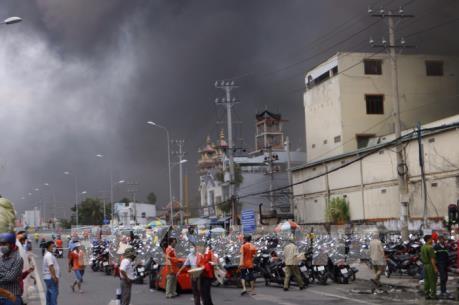 Cháy lớn tại KCN Trà Nóc, Cần Thơ: Sơ tán dân quanh khu vực hỏa hoạn