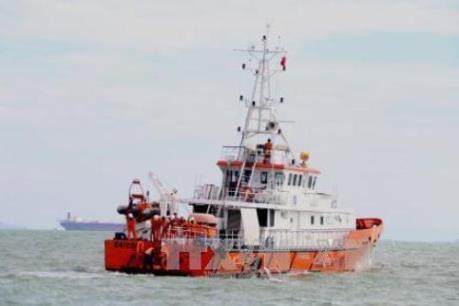 Phó Thủ tướng Trịnh Đình Dũng chỉ đạo tiếp tục tìm kiếm cứu nạn tàu Hải Thành 26