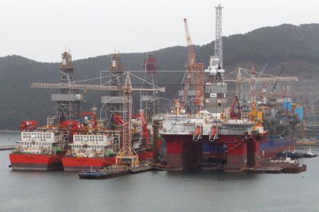 Daewoo Shipbuilding gặp khó vì sự không chắc chắn của gói cứu trợ 6 tỷ USD