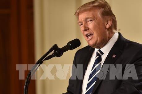 """Tổng thống Mỹ Donald Trump ký sắc lệnh """"Mua hàng Mỹ và Thuê người Mỹ"""""""