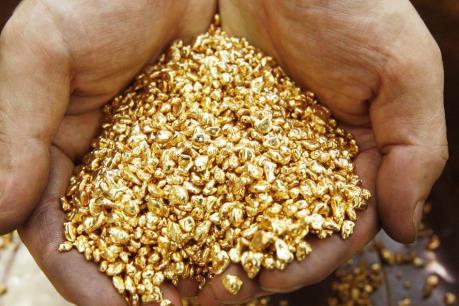 Giá vàng vọt lên mức cao nhất trong một tháng